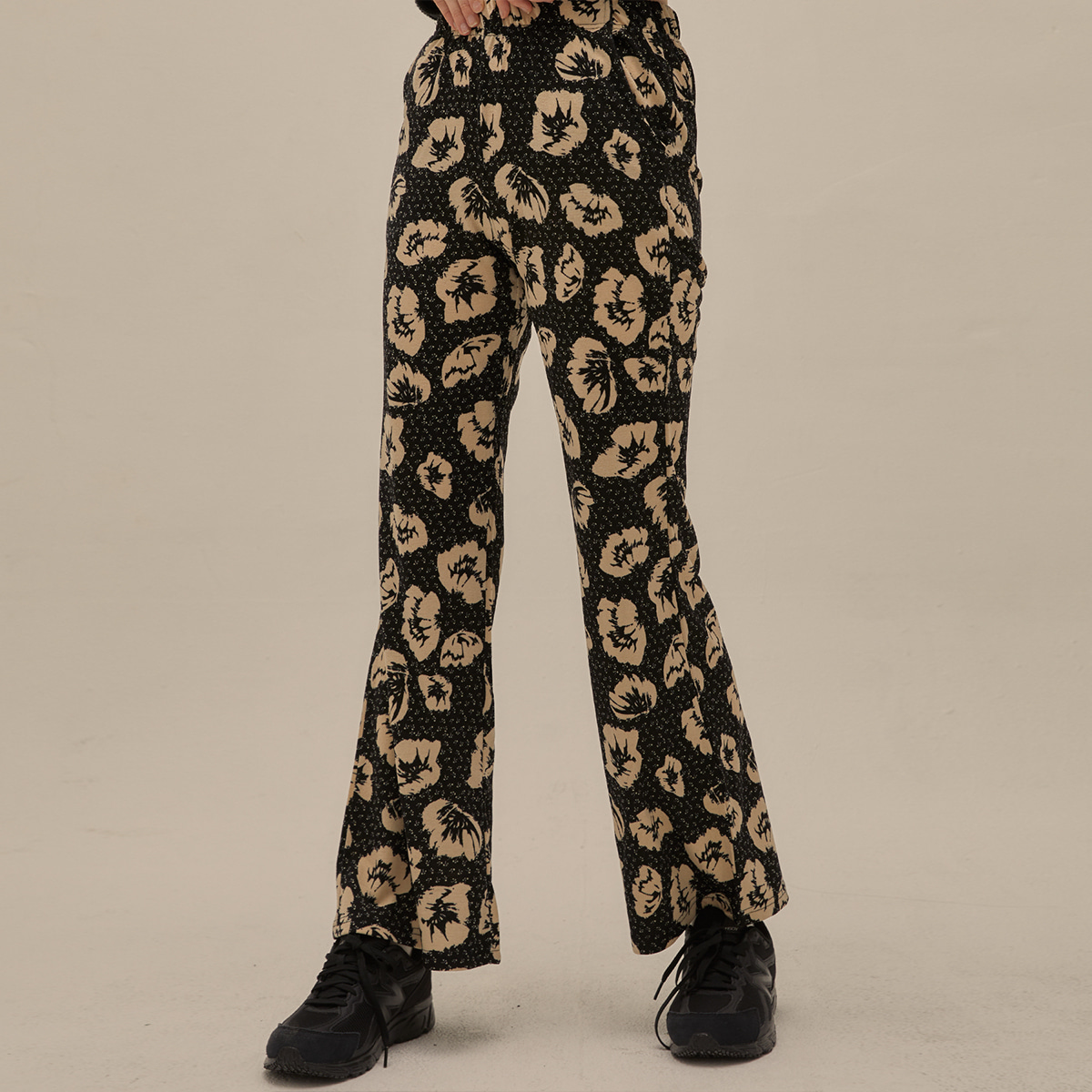 PO FLOWER BOOTS CUT PANTS(BLACK)