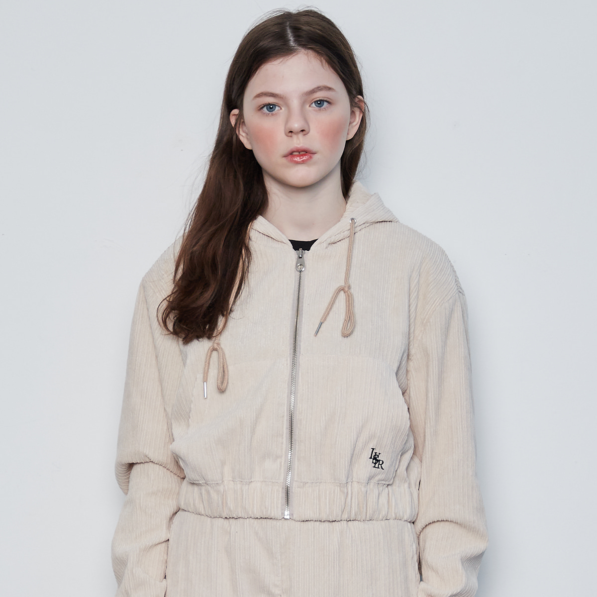 IN CROP HOOD ZIP-UP(CREAM)